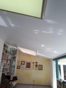 Spanndecke incl. zweier integrierter Lichtfelder mit RGBW Stripes in 66265 Heusweiler